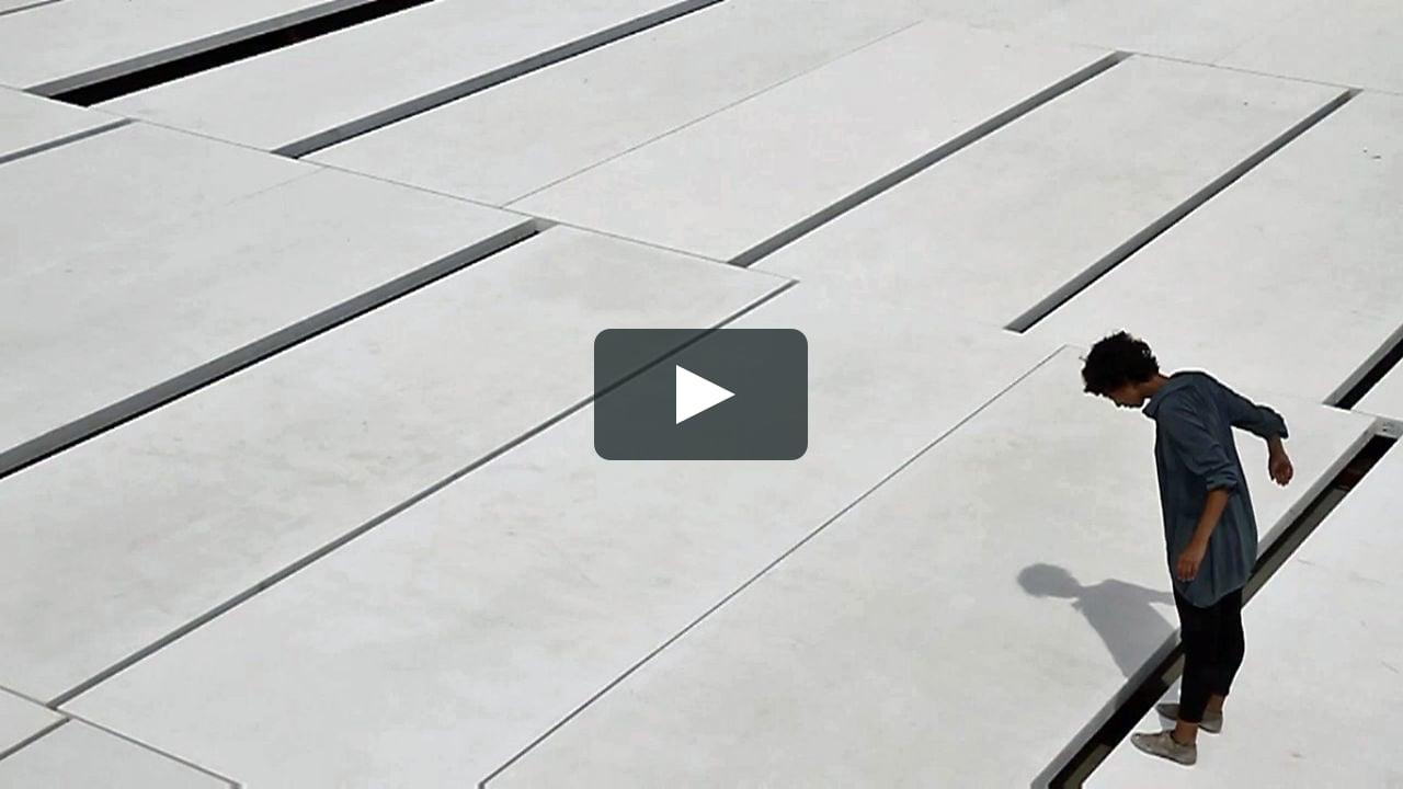 A través de movimientos de danza, un vídeo deTaller de Casquería recorre el cordobés Centro de Creación Contemporánea, de Fuensanta Nieto y Enrique Sobejano.