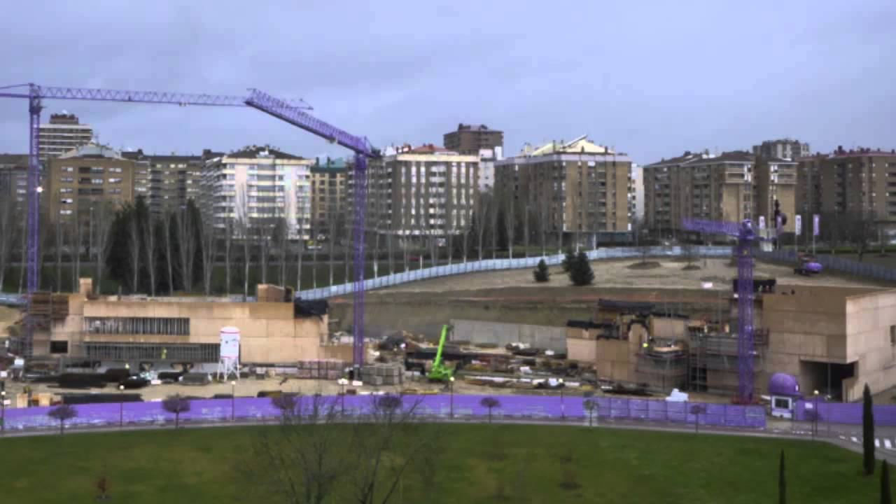 Construction of Rafael Moneo's contemporary art museum in the University of Navarre campus in Pamplona began in 2011, and opening is set for January 2015.