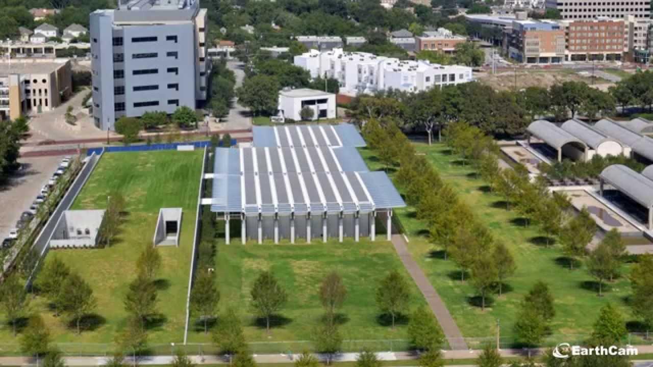 Desde julio de 2011 hasta septiembre de 2013, el vídeo entime-lapsemuestra la construcción del pabellón de Renzo Piano para ampliar el Museo de Arte Kimbell en la ciudad texana de Fort Worth.