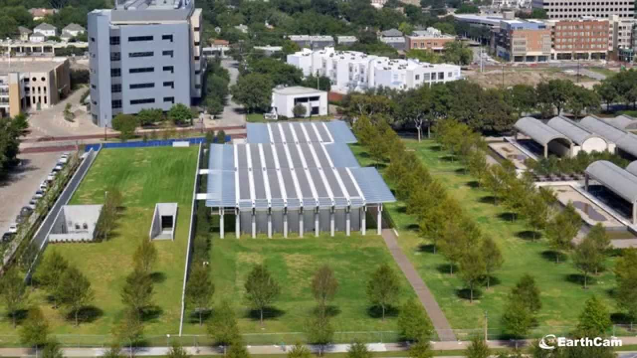 A time-lapse video running from July 2011 to September 2013 shows the construction of Renzo Piano's pavilion expansion of the Kimbell Art Museum in Fort Worth, Texas.