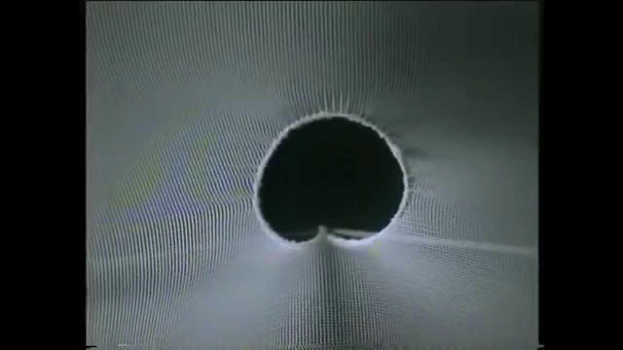 En el Instituto de Estructuras Ligeras de Stuttgart, fundado por Frei Otto en 1964, se prueban sistemas de generación de formas arquitectónicas basados en el estudio de las pompas de jabón.