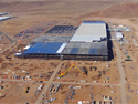 En 2014 comenzaron las obras de estas nuevas instalaciones para Tesla, el fabricante de vehículos eléctricos y de baterías para almacenar energía. Hacia 2018, aquí se producirán anualmente más baterías de iones de litio que las fabricadas en 2013 en el mundo.