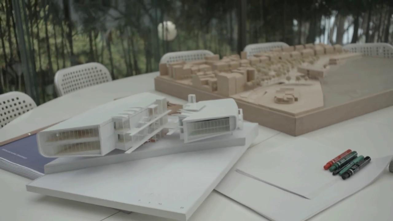 Dirigido por Carlos Saura, este documental es un testimonio de la construcción del Centro Botín de las Artes y la Culturade Santander, desde su concepción hasta su inauguración...