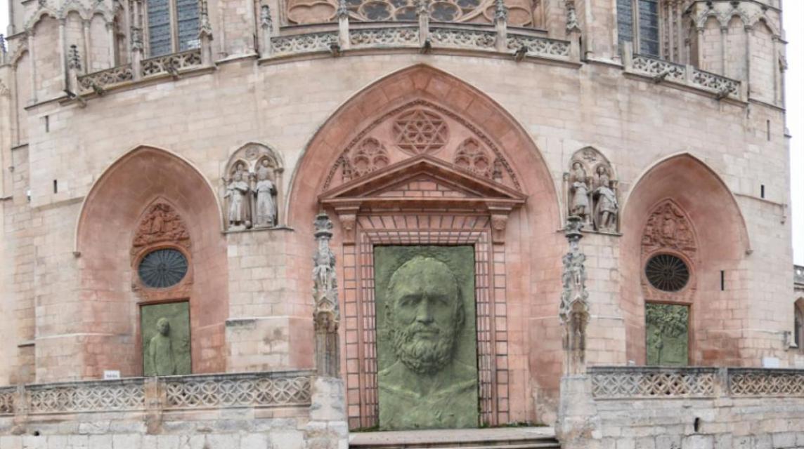 Las nuevas puertas de la catedral de Burgos abren un debate en su 800 aniversario