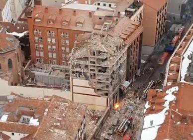 Fuerte explosión en un edificio de Madrid