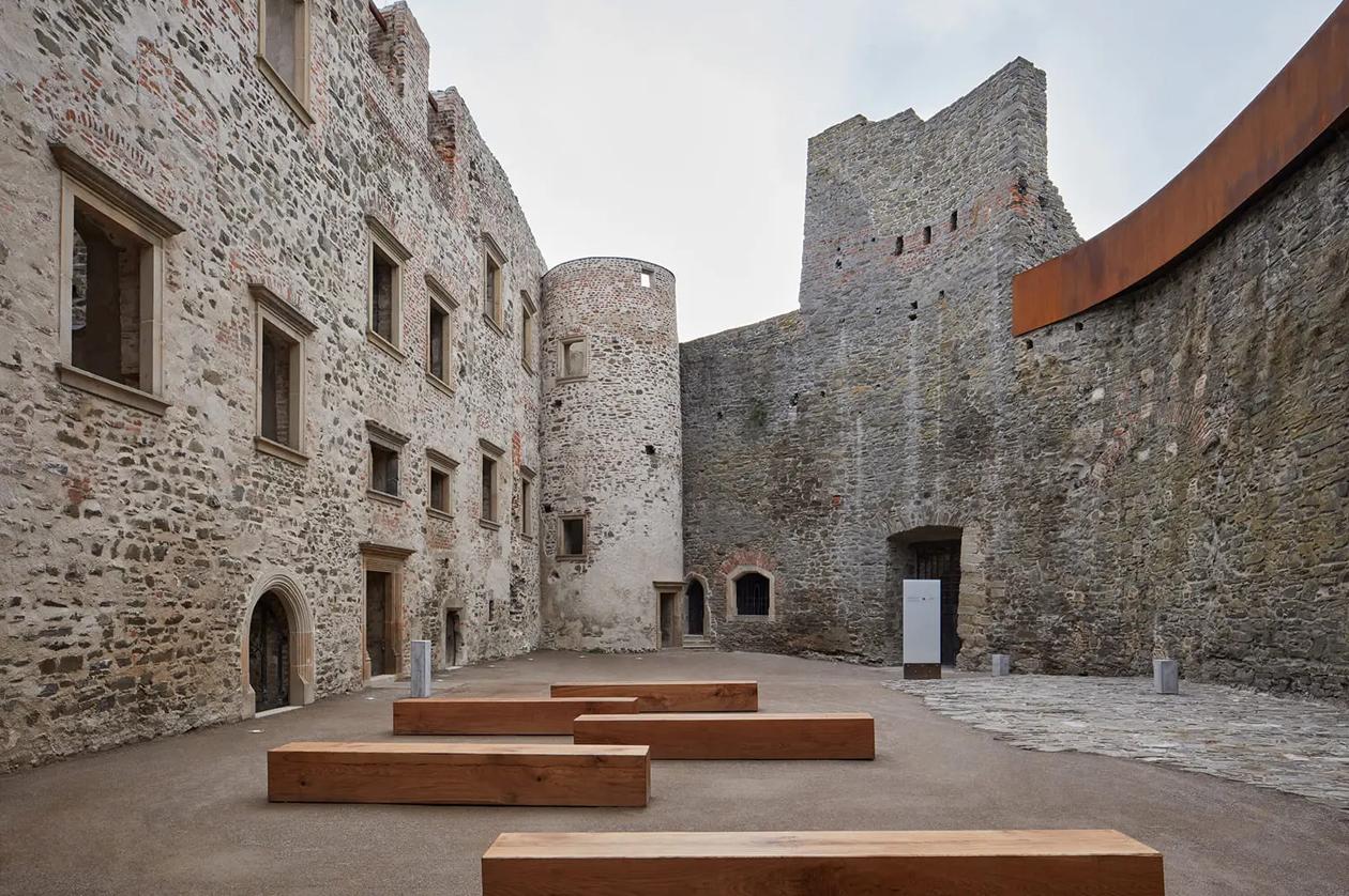 Reconstrucción del Castillo de Helfštýn