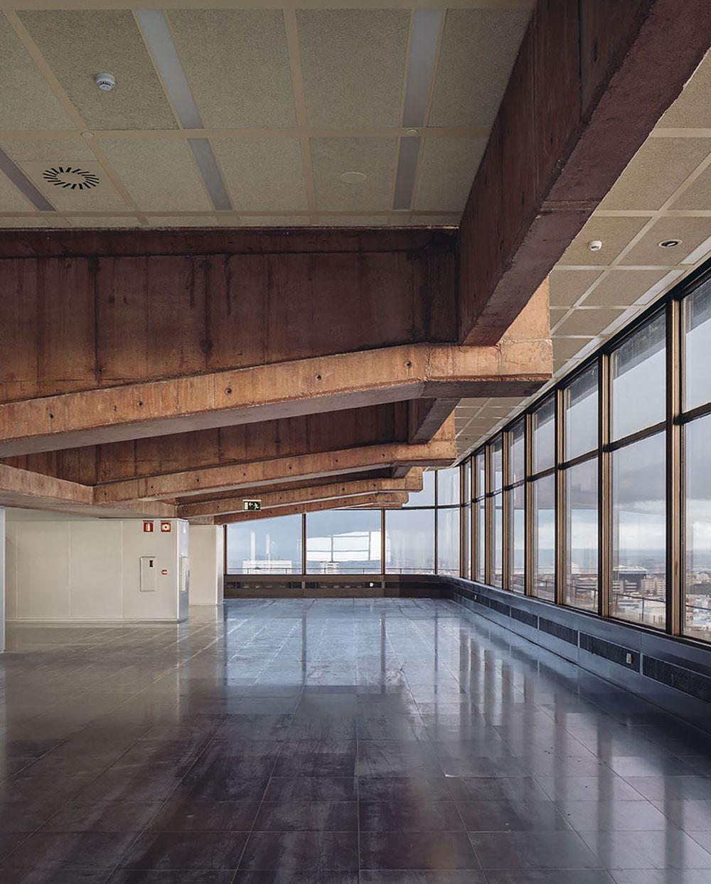 Full refurbishment of Torre Castellana 81 in Madrid