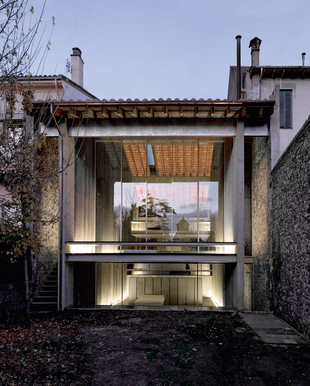 Entremurs House